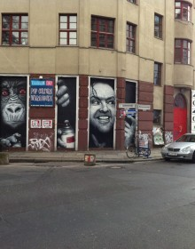 Berlino street art graffiti shining