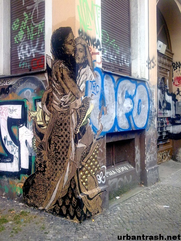Swoon Berlino graffiti street art